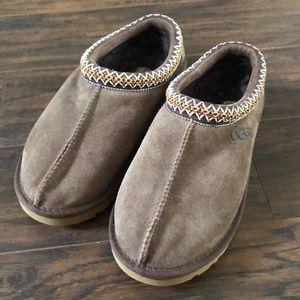 New! Ugh Tasman slippers.